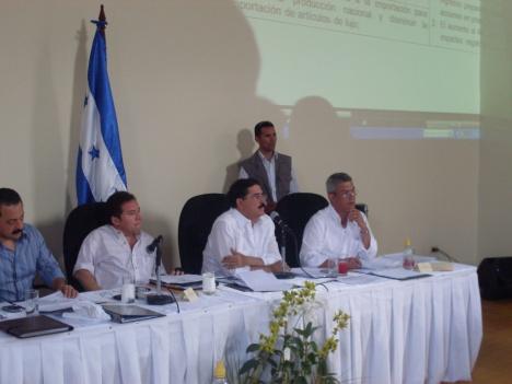 El Presidente Zelaya hablando directamente con su Pueblo 2009