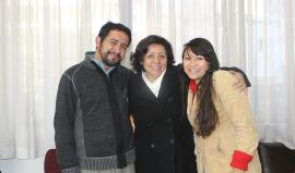 Bertha Oliva al centro con activistas de SOAW